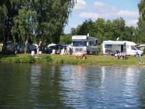Stellplätze am Wasser